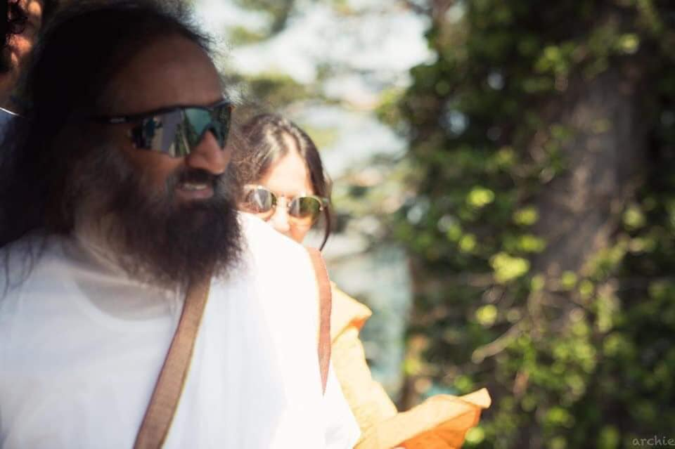 The Miraculous Flight - Sri Sri Stories